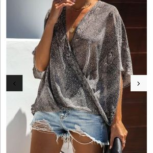 💎 NWT! Diamondback Short Sleeve Drape Blouse